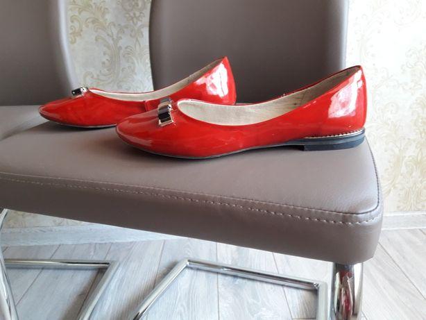 Продам туфлі 37роз.в хорошому стані