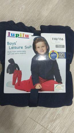 Теплый костюм на мальчика