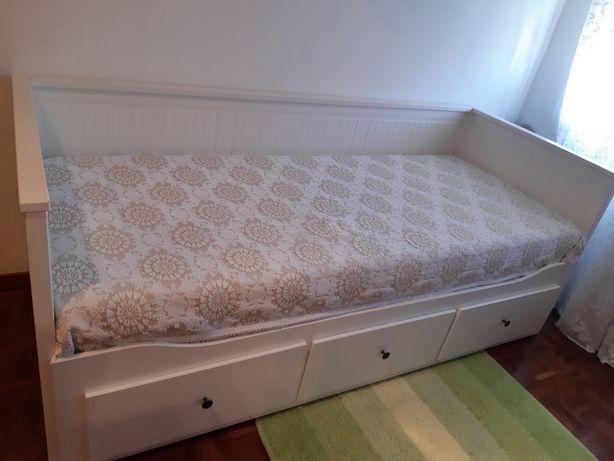 Cama HEMNES nova inclui colchões