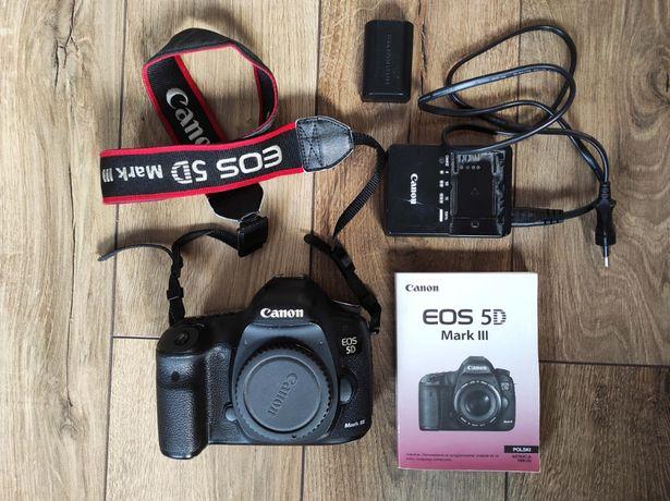 Profesjonalny aparat Canon 5D mark III