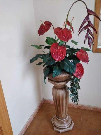 Jarrão com planta artificial