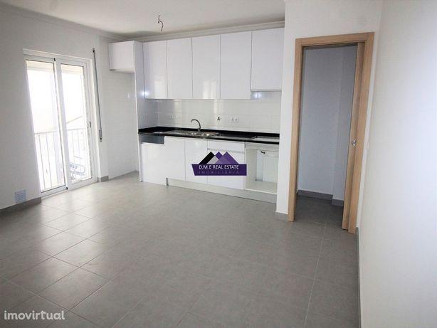 Apartamento Novo T0+1 no centro de Monte Gordo