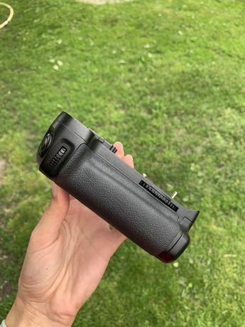 Батарейный блок Nikon D7000