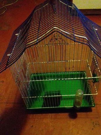 Продаю клітку для пташок з поїлкою