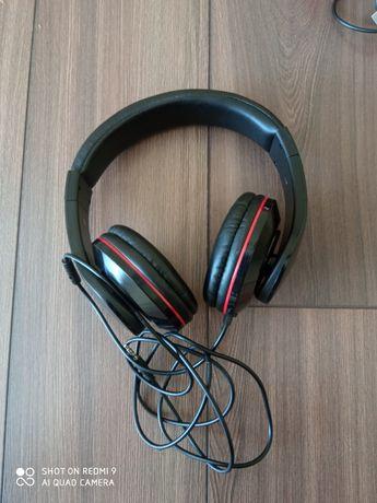 Навушники з мікрофоном