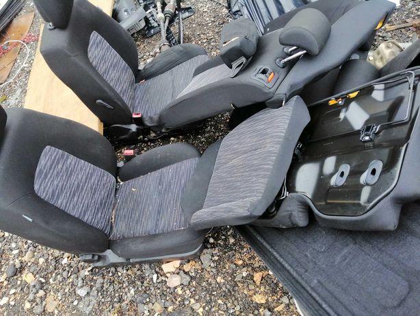 Sprzedam Komplet Foteli KIA CEED HB Stan BDB Brak fotela Kierowcy