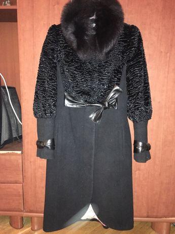 Демисезонне пальто, гарний стан!