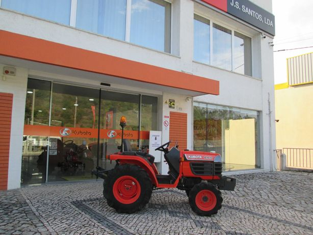 Trator Kubota B1610