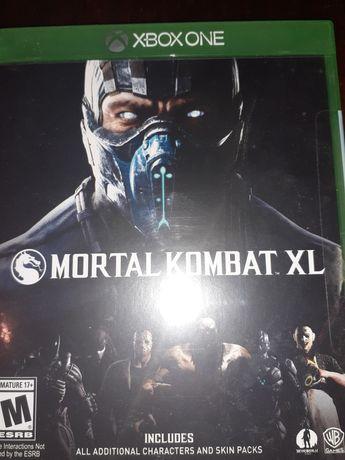 Продам диски на Xbox one GTA V,Mortal Kombat XL