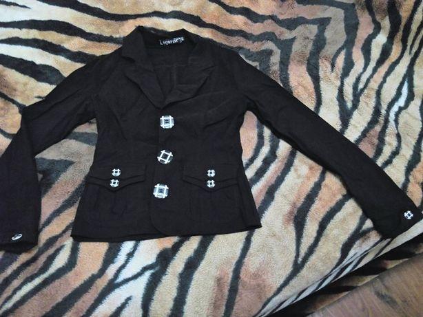 Пиджак в хорошем состоянии