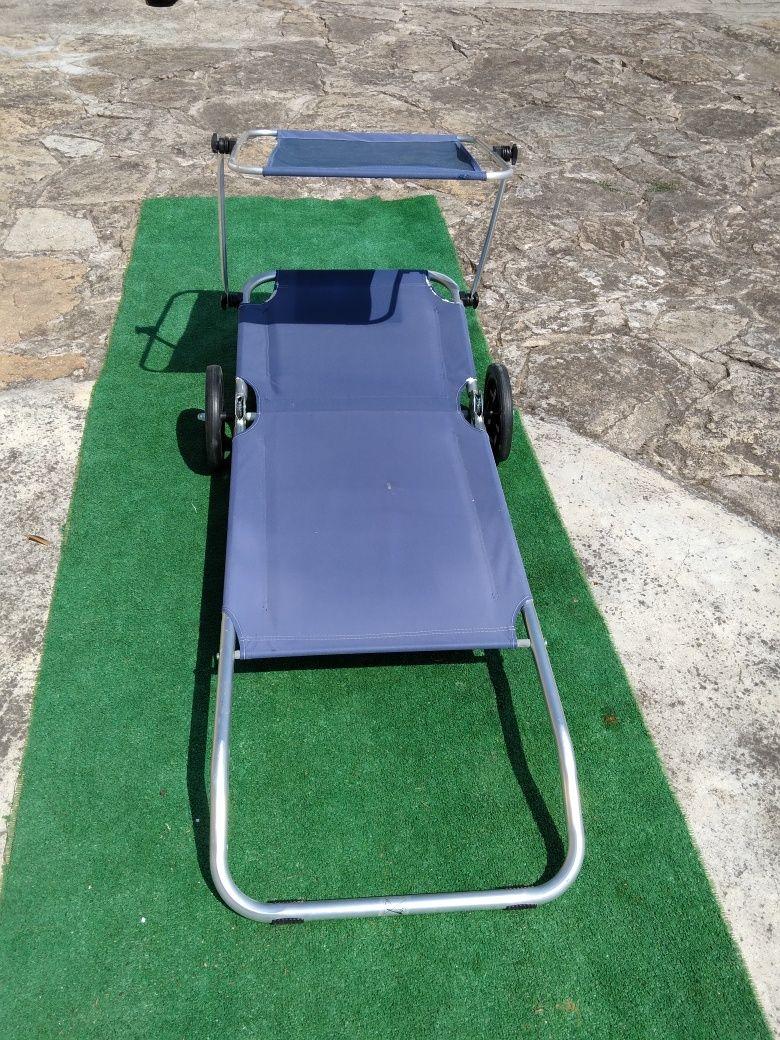 Espreguiçadeira com rodas com para-sol
