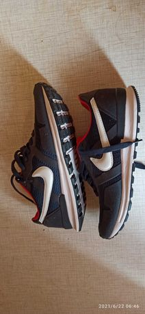 Кроссовки Nike 43