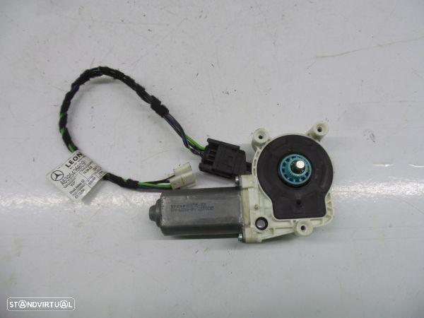 Motor Do Elevador Mercedes-Benz Vito / Mixto Caixa (W639) A639540680