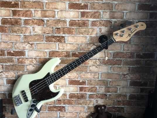 Gitara basowa Jay Turser JTB 402 IV