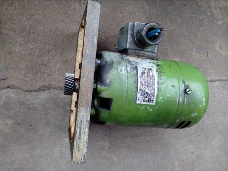 Двигатель подачи, постоянного тока к станку