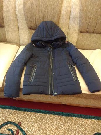 Куртка зимова в гарному стані