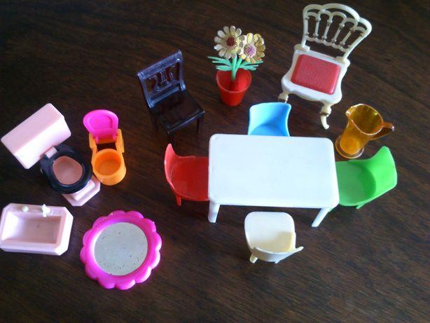 Brinquedos anos 70, mesa, cadeiras, vaso, WC-sanita, bidé, espelho