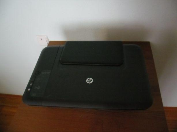 HP Deskjet 2050 принтер на запчастини або під відновлення