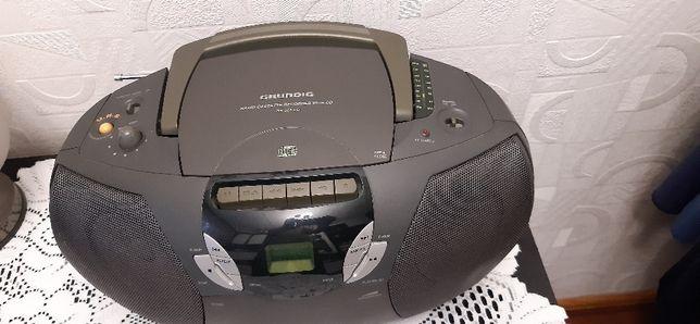 Radioodtwarzacz Grundig RR 300