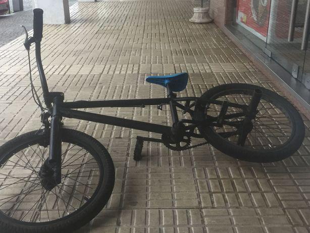 BMX com pouco uso
