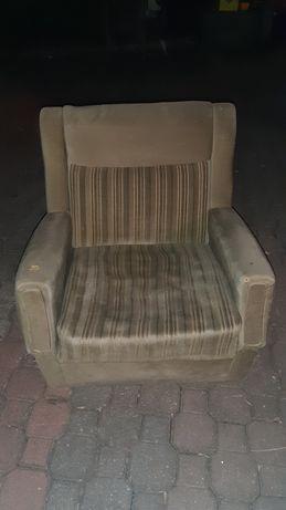 Oddam 40to letni niski fotel
