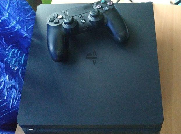 PS4 Slim 1Tb с аккаунтом