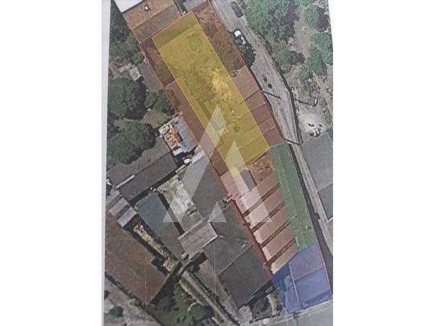 Terreno para construção situado em Fermentelos com um áre...