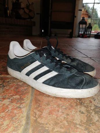 Czarne gazele adidas