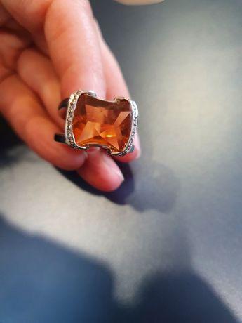 Anel em ouro 19,2 k com diamantes