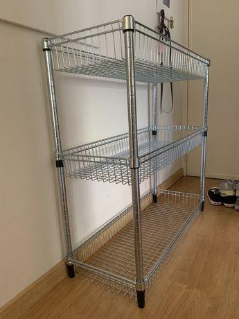 Estante IKEA de metal