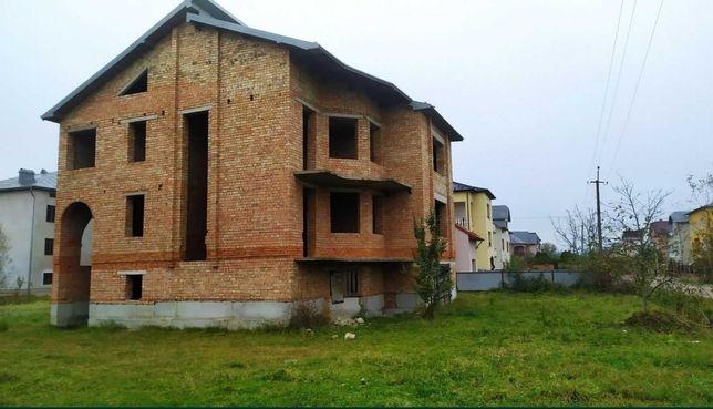 ПРОДАЄТЬСЯ !!! Будинок у місті  Тисмениця