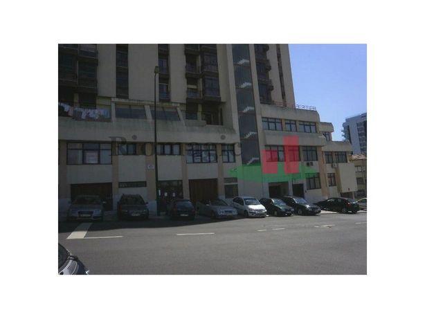 Escritório Venda ou Arrendamento no Restelo - Lisboa