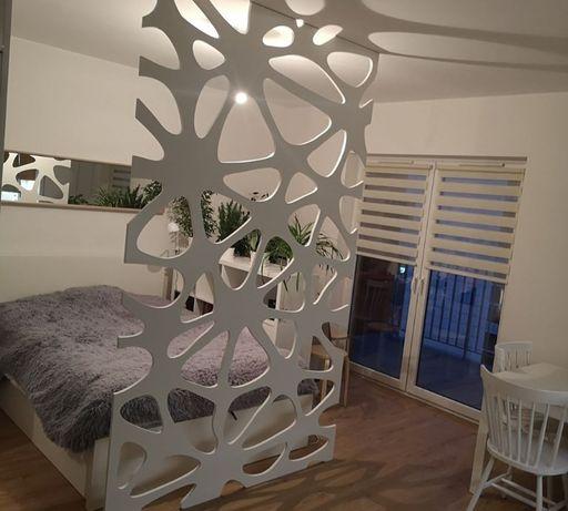 Zabudowy, ekrany ażurowe, dekoracje, ściany 125 cm/75 cm
