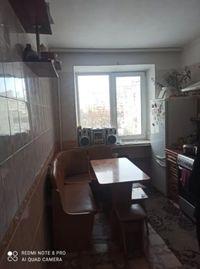 Продам 3 кімнатну квартиру на Виставці по вул.Зарічанській