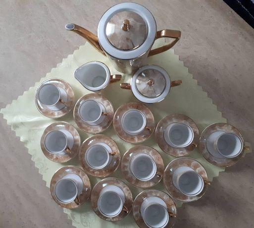 Serwis kawowy 12 osobowy Karolina.