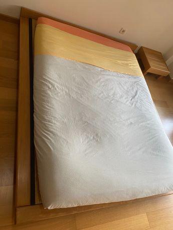 Cama japonesa com colchão e mesa de cabeceira venda imediata