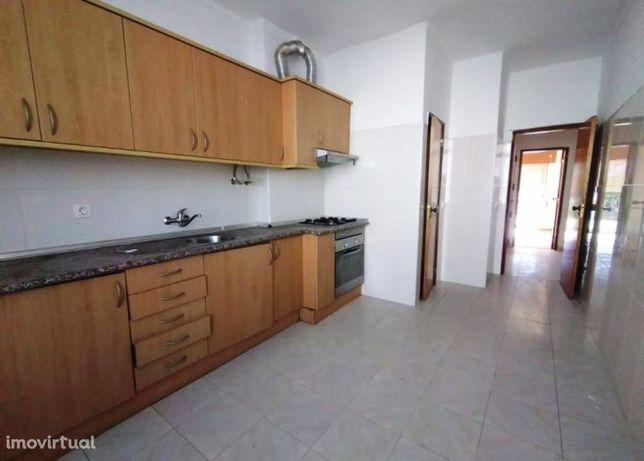 Apartamento T2, 2º andar, na Baixa da Banheira - Moita – 87.500€