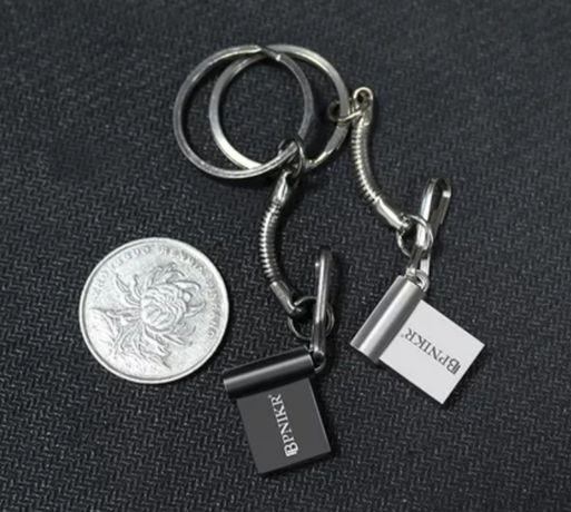 Флешка (Mini USB 2.0, MicroSD на 32 гб)