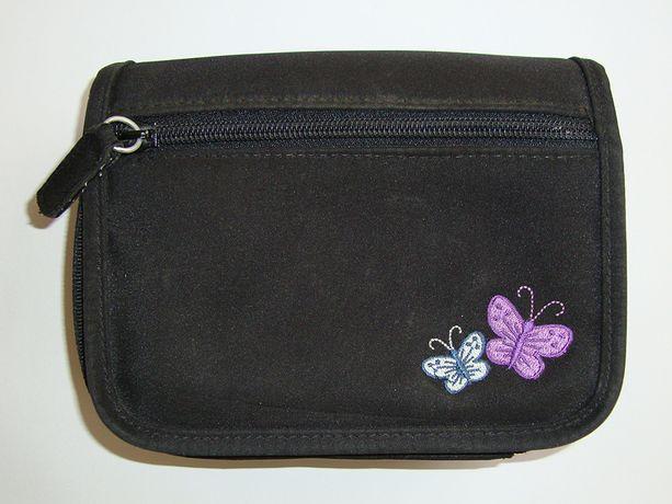 Mała czarna torebka motyle kieszonki