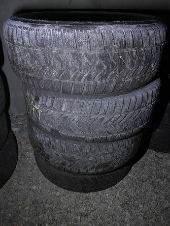 Opony zimowe Dunlop 235x60x18