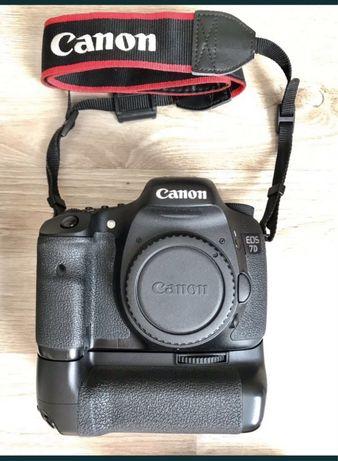 Canon 7D+бустер