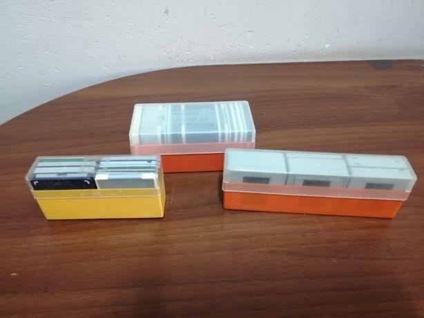 Okienka na slajdy plastikowe 99 sztuk w pudełkach