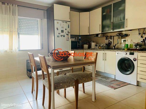 Apartamento T2 de 106m2 em Faro, com elevador