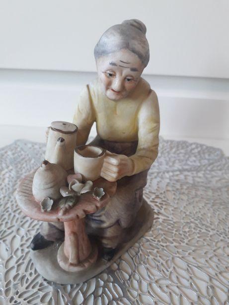 Figurka starszej Pani