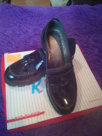 Продам туфли розмер 36