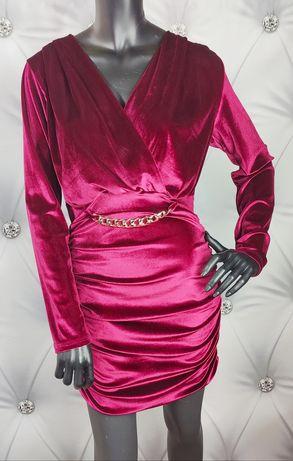 Piękna welurowa sukienka z łańcuchem . Wysyłka 1 zł