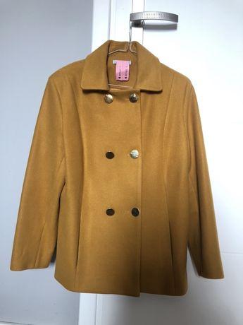 Muszardowy płaszcz