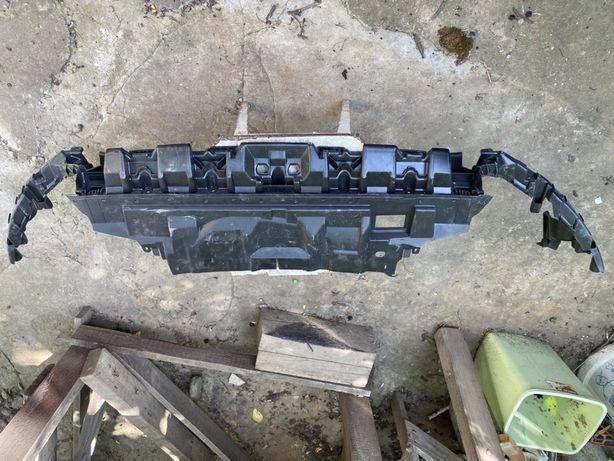 Верхний Усилитель Панель Бампера Птица  Ford Focus MK3 фо