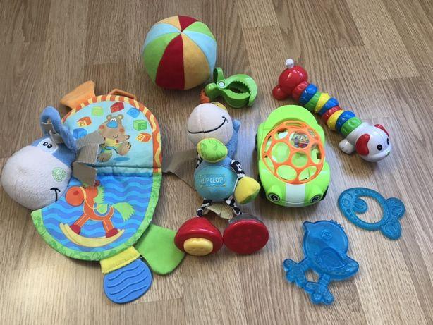 Набір іграшок для діток до року