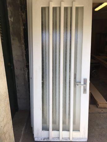 Portas de Madeira com vidro (4)